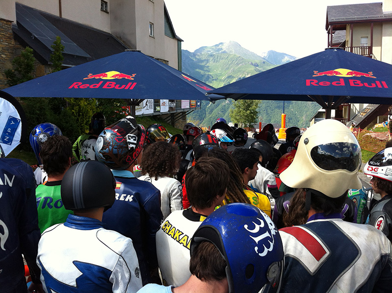 Riders lining up for quali - Peyragudes 2014