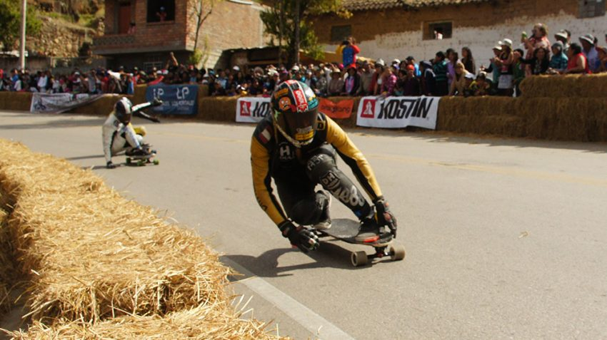 Rodrigo Zuzunaga leading @ Valle del Downhill 2014